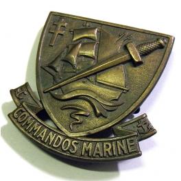 INSIGNE de BERET des COMMANDOS MARINE , 1960 - 70